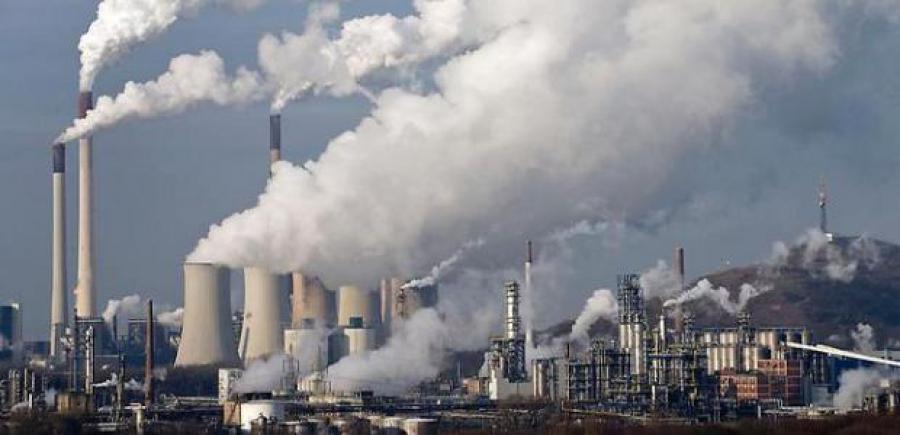 Ξανά προς τη δόξα τα ορυκτά καύσιμα